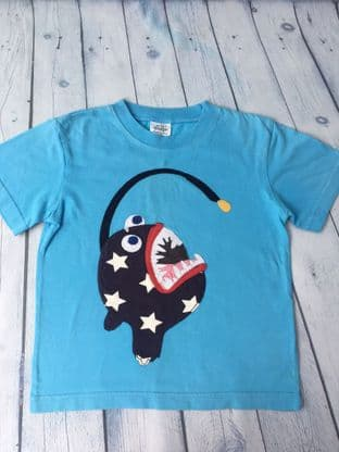Mini Boden applique fish blue t-shirt age 5-6