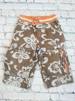 Mini Boden hawaiin shorts (playwear condition) age 7 (fits age 6-7)