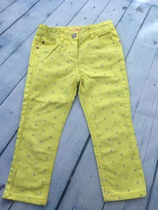 Mini Boden yellow cropped trousers with grey stars age 6 (fits age 5-6)