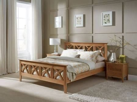 Maiden American Oak Double 4'6 Bedframe